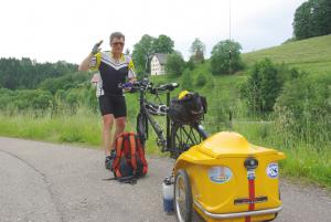 DK3JB mit Funk-Fahrrad nebst Anhänger